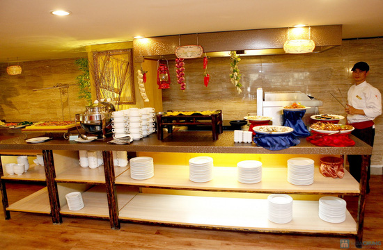 Buffet Giáng sinh 100 món Âu Á, Lẩu thập cẩm,Nướng tại Khách sạn Prestige - Chỉ với 530.000đ - 54