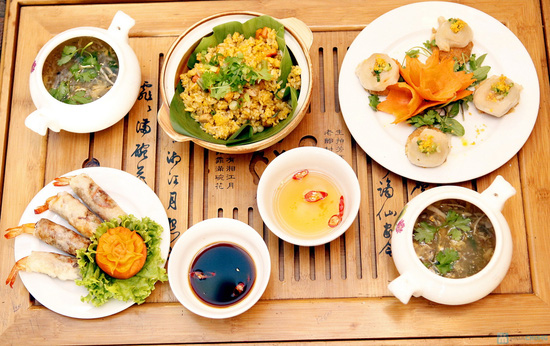 Món ăn đậm đà xứ Huế tại Nhà hàng Trăng Vĩ Dạ. Chỉ 94.000đ/02 người - 1