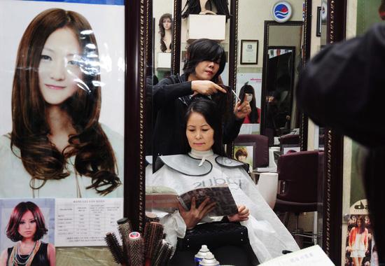 Lựa chọn 01 trong 03 gói dịch vụ làm tóc Cắt + Nhuộm hoặc Cắt + Ép hoặc Cắt + Uốn tại Salon tóc Kim Đức - Chỉ với 550.000đ - 8