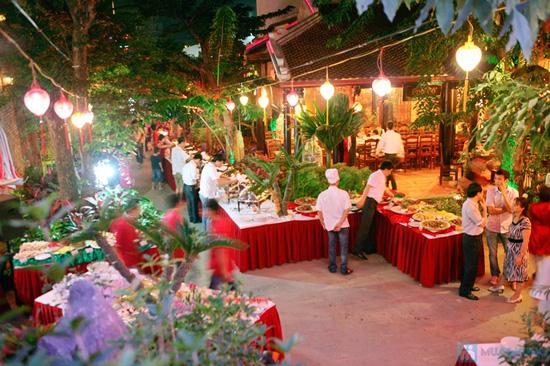 Buffet tại nhà hàng Hoàng Việt - 1