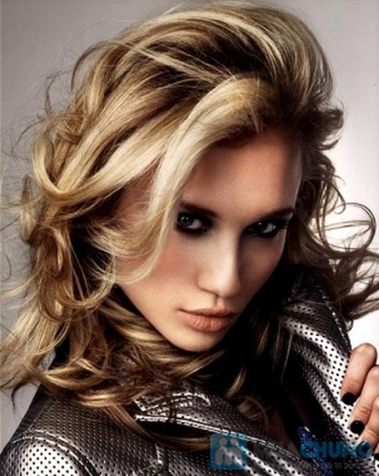 Cắt + Ép/ Nhuộm /Uốn tay, máy / + Hấp dầu tại salon tóc Hường Hà- Chỉ với 300.000 đ - 2