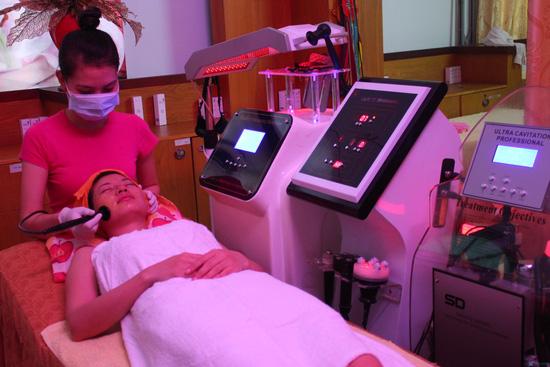 Điều trị mụn, vết thâm làm trắng mịn da mặt bằng công nghệ ASSH đa năng Blue Light TMV Hồng Ngọc - Chỉ 99.000đ - 1