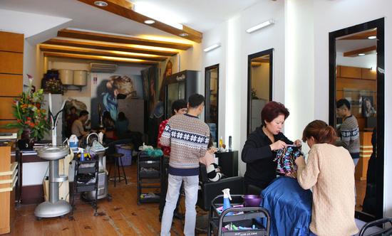 Uốn (nóng hoặc lạnh)/ nhuộm/ ép dành cho 01 người tại Siêu thị tóc New & Nice - Chỉ với 253.000đ - 3