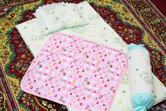 Bộ sản phẩm Đệm nằm, Gối ôm, gối đầu và miếng lót cho bé sơ sinh - 2