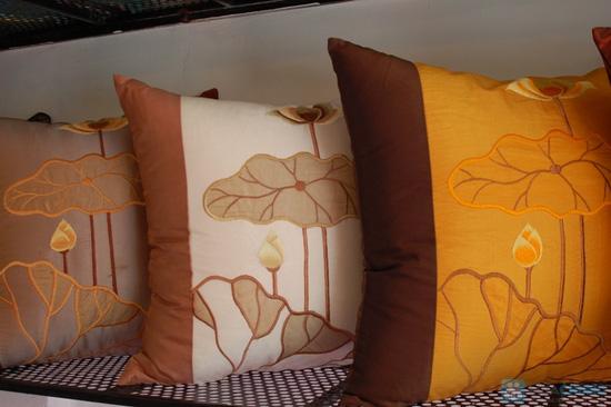 Combo 02 vỏ gối tựa sofa vải gấm - 1