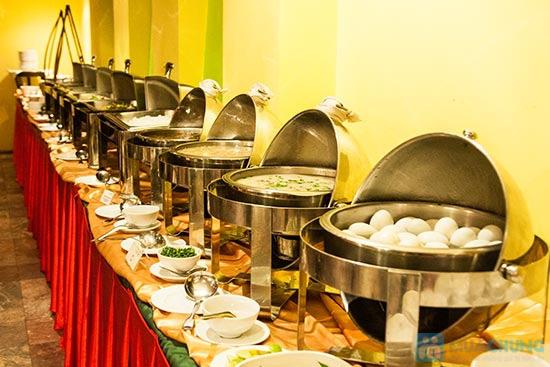 Buffet Gánh dành cho buổi trưa tại Khách sạn Bông Sen Quận 1 với hơn 40 món ăn đặc sắc 3 miền - Chỉ 319.000đ/ 1 người - 7