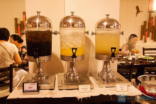 Buffet Gánh dành cho buổi trưa tại Khách sạn Bông Sen Quận 1 với hơn 40 món ăn đặc sắc 3 miền - Chỉ 319.000đ/ 1 người - 12