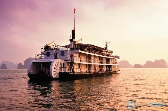 Du ngoạn Vịnh Hạ Long trên du thuyền Emeraude Classic Cruises 5 sao, trọn gói cho 02 người 02 ngày 01 đêm. Chỉ 4.965.000đ - 2