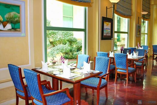 Tiệc buffet buổi trưa chủ nhật hàng tuần tại Khách sạn Habour View - chỉ 275.000đ - 5