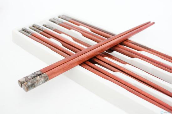 10 đôi đũa gỗ trác trạm khảm - 6