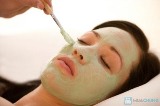 Massage trắng sáng da mặt bằng tinh chất đặc trị serum C tại Emvy Spa - Chỉ 69.000đ - 3