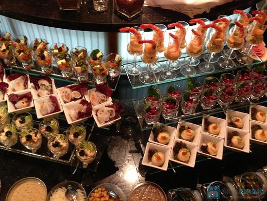 Buffet dinner seafood tại nhà hàng La Mezzanine- Chỉ 401.000đ/ 01 người - 2