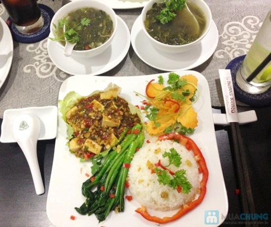 Vịt quay Bắc Kinh dành cho 4-5 người tại nhà hàng Hồng Kông - Chỉ với 396.000đ - 2