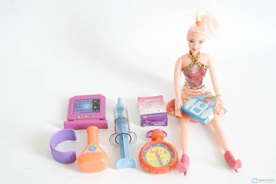 Bộ đồ chơi cho bé gái (vỉ đồ chơi đồ dùng bác sĩ + bóng biến hình + điện thoại 3 nút bấm + búp bê nhỏ) - 3