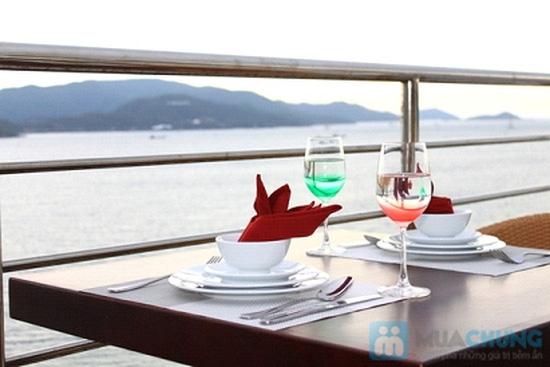 Bữa tối lãng mạn cho 2 người tại nhà hàng Sea View - Chỉ 315.000đ - 2