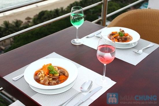 Bữa tối lãng mạn cho 2 người tại nhà hàng Sea View - Chỉ 315.000đ - 6