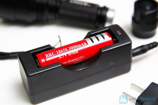 Đèn pin siêu sáng (tặng kèm pin sạc) - 6
