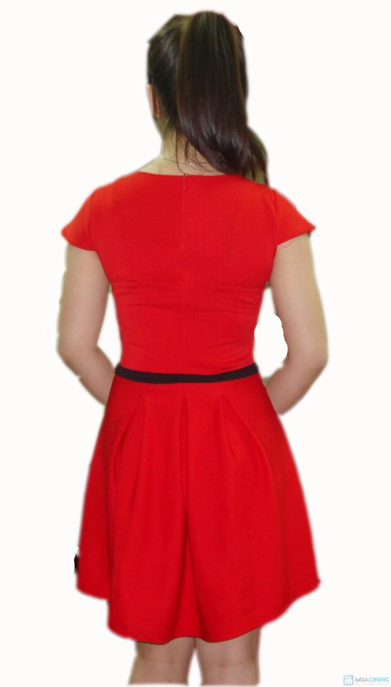 Đầm xòe cổ tròn phối nơ giữa xinh xắn cho bạn gái - 2