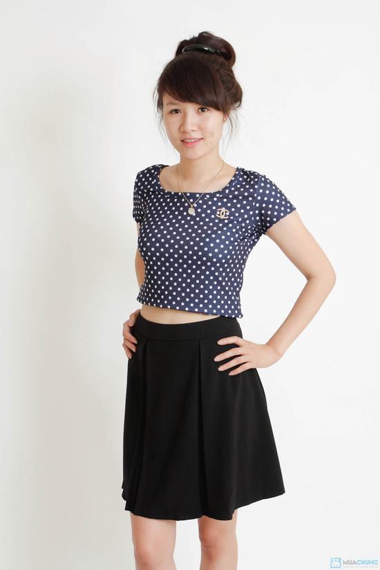Combo áo croptop và chân váy đen - 1