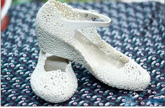 Xăng đan kết hoa xinh xắn với 02 màu trẻ trung, chất liệu nhựa cao cấp, êm ái cho đôi chân bạn gái - Chỉ với 98.000đ - 2