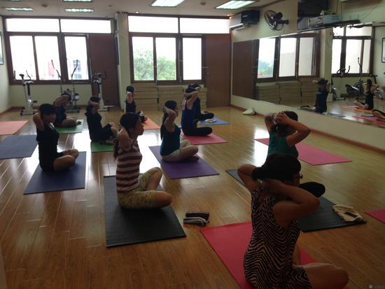 Khóa học Yoga cho bà bầu tại CLB Apollo Gym & Fitness - 11