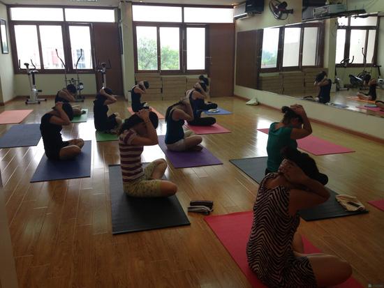 Khóa học Yoga cho bà bầu tại CLB Apollo Gym & Fitness - 10