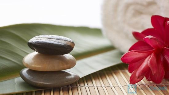 Tắm mịn bằng cám gạo huyết rồng và sữa ong chúa kết hợp massage toàn thân bằng đá bazan tại Dáng Tiên spa - 1