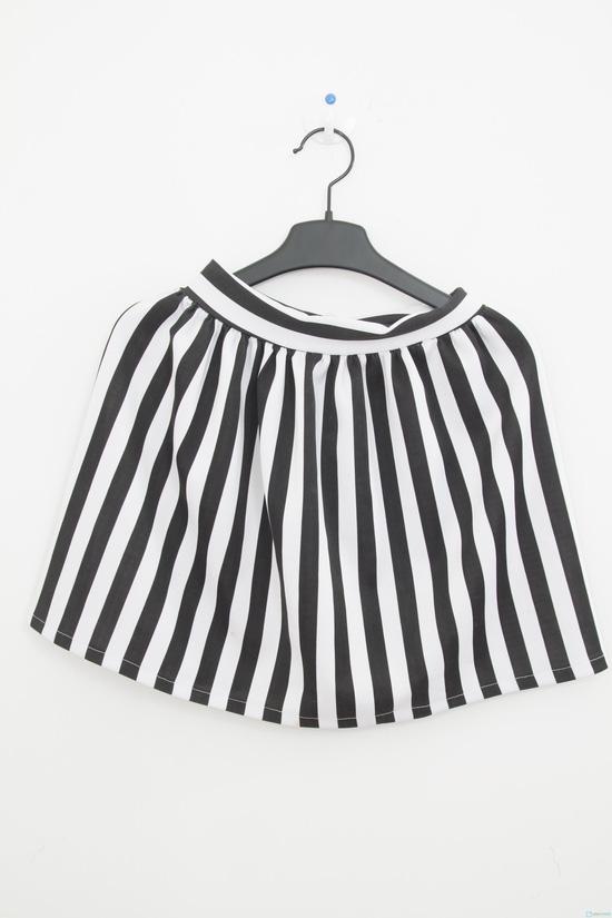 Chân váy xòe sọc trắng - đen trẻ trung, phong cách - Chỉ 80.000đ - 6