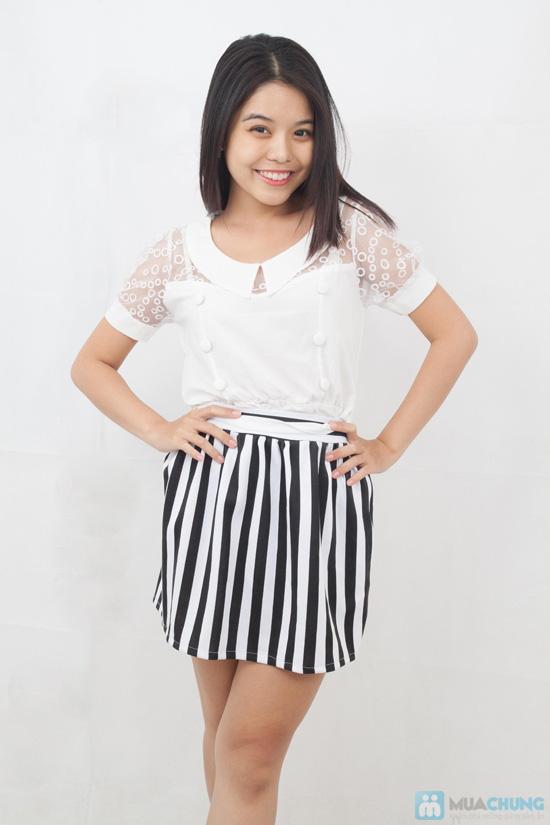 Chân váy xòe sọc trắng - đen trẻ trung, phong cách - Chỉ 80.000đ - 2