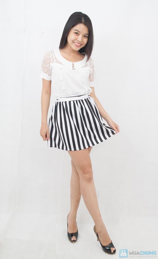 Chân váy xòe sọc trắng - đen trẻ trung, phong cách - Chỉ 80.000đ - 1