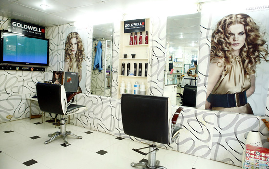 Lựa chọn 1 trong 3 gói dịch vụ tóc tại Salon Bảo Long - 9