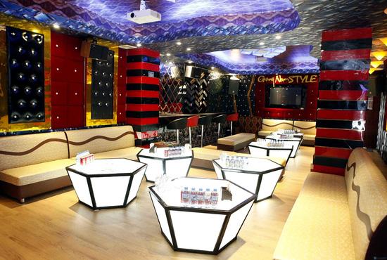 Giới thiệu một số mẫu thiết kế phòng karaoke 2014