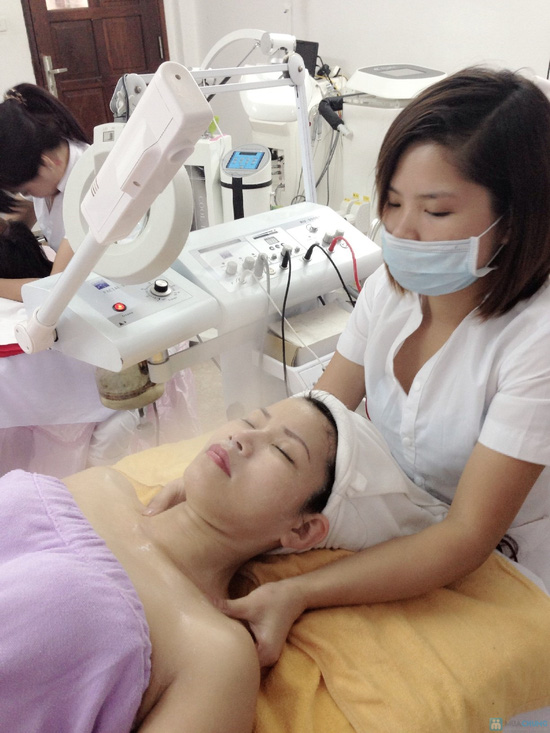 Tái tạo da mụn và sau mụn công nghệ BIO Light và oxy jet tại TMV Phương Loan - 4