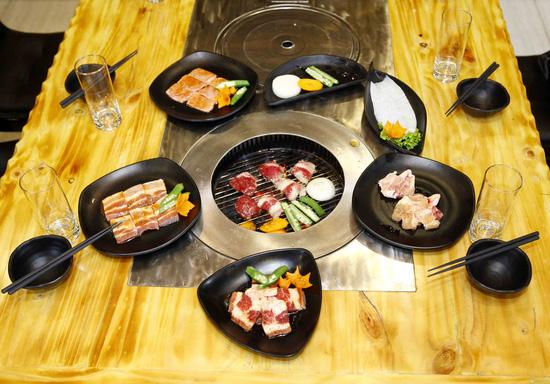 Buffet Trưa Cao Cấp Tại Moon BBQ - Miễn Phí Pepsi Tươi - 3