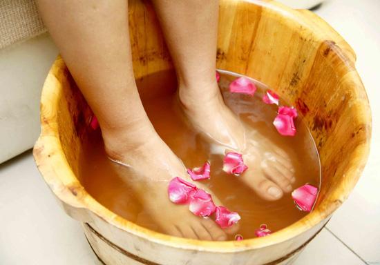 Massage chân tại Life Spa - 3
