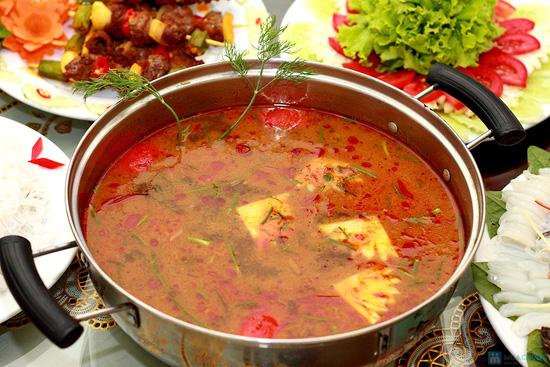 Thưởng thức Bò xiên nướng, Ngao nướng bơ, Lẩu hải sản kim chi đặc biệt tại NH Ngọc Sương - 8