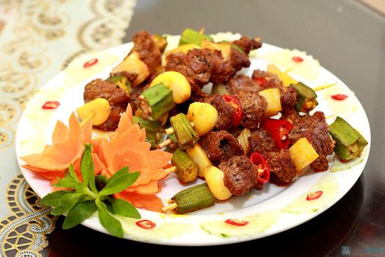 Thưởng thức Bò xiên nướng, Ngao nướng bơ, Lẩu hải sản kim chi đặc biệt tại NH Ngọc Sương - 10