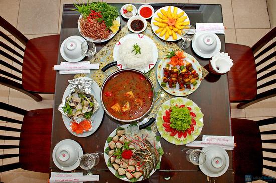 Thưởng thức Bò xiên nướng, Ngao nướng bơ, Lẩu hải sản kim chi đặc biệt tại NH Ngọc Sương - 11