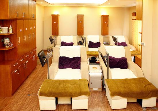 Massage chân hoặc Massage body  tại Life Spa - 1