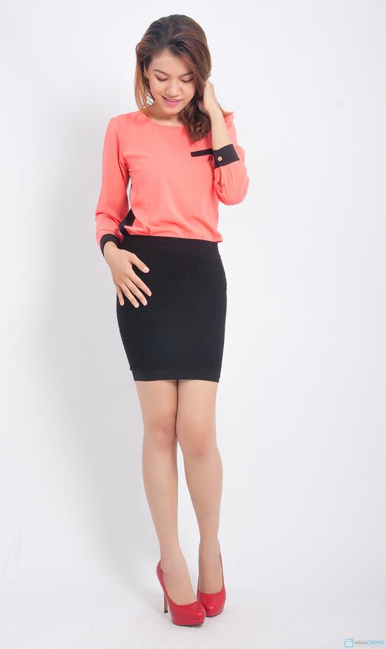 Trẻ trung và gợi cảm hơn với combo 02 chân váy ôm - 6