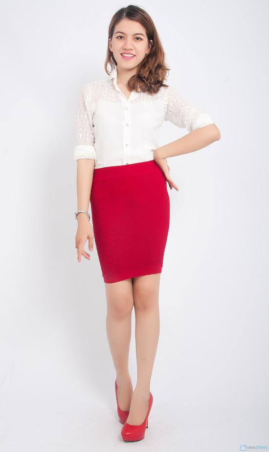 Trẻ trung và gợi cảm hơn với combo 02 chân váy ôm - 2