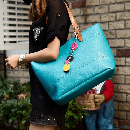 Túi xách giả da thời trang đính logo tròn - 9