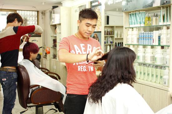 Làm tóc tại Minh Thanh Hair Salon Cây Kéo Vàng - 11
