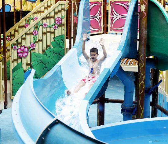 Vui chơi công viên nước - Trẻ em - 1