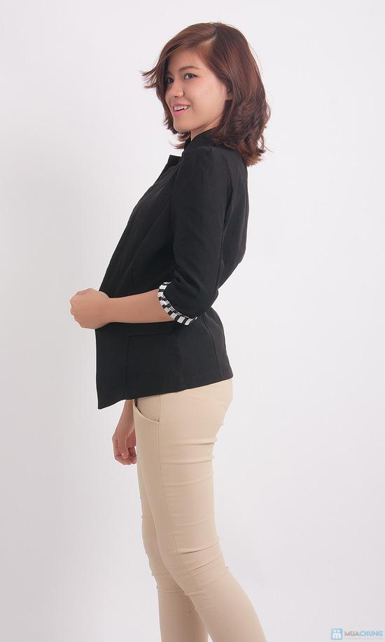 Áo khoác giả vest tay lật đen trắng - 3