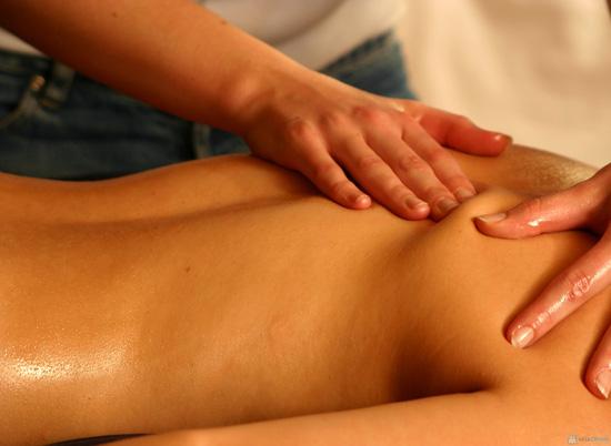 Lưu thông khí huyết với dịch vụ Massage body tại Daisy Spa - 1