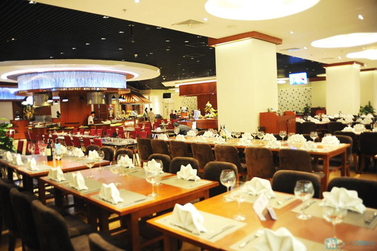 Buffet 300 món tại  Grand Brothers - Royal City - 31