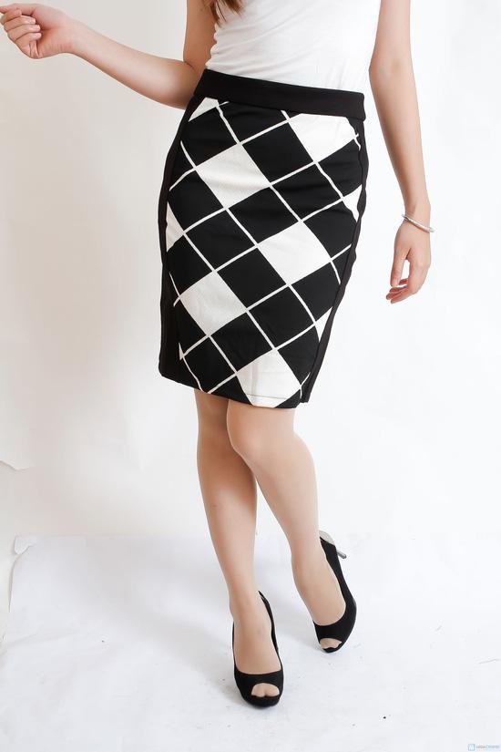chân váy pha họa tiết - 9