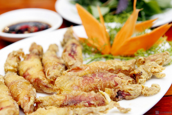 Chọn 1 trong 2 set hải sản nhà hàng Cua Vàng - 12