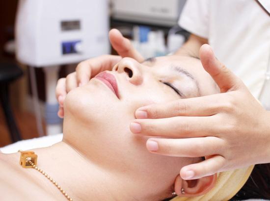 Massage body bấm huyệt hỗ trợ giảm béo tại Evi Spa - 8